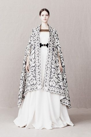 My heart aches for Alexander McQueen. I'm in love with pre-fall!