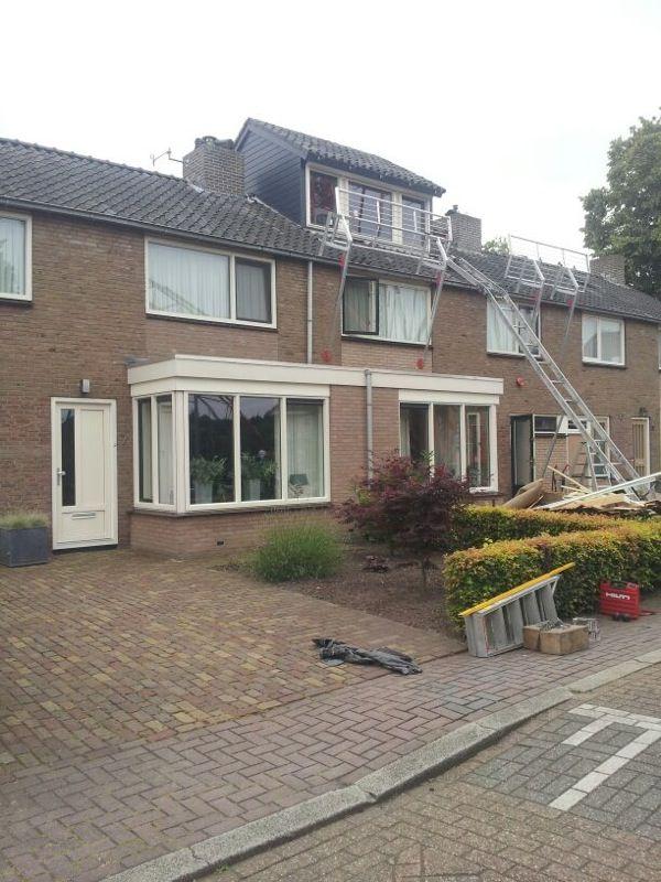 Klok Dakkapellen is ook specialist in nokverhogingen. Deze dubbele nokverhoging in Heerde is bijna af!