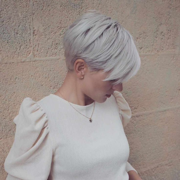 40 Latest Pictures Of Short Layered Haircuts Short hairstyles trend for 2019! This year, our mind goes wild. We say goodbye to the sleek look and brin...
