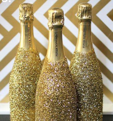 Sparkly new year's eve party champagne bottles // Szilveszteri ragyogó pezsgős üvegek csillámporral // Mindy - craft & DIY tutorial collection