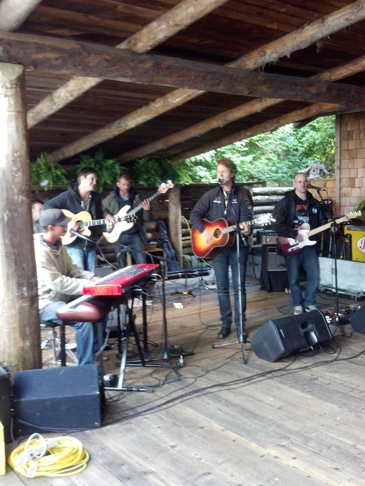Jim Cuddy of Blue Rodeo for our Wilderness, Wine and Adventure weekend during our 2013 season. Stay tuned for who will be rocking our lounge for 2014! www.wildretreat.com #livemusic #wildretreat #bluerodeo