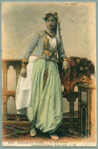 Algerian arab woman in native costume, 1911