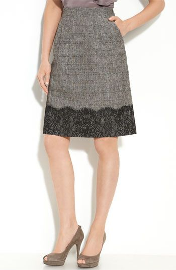 A-line skirt with scalloped eyelash lace on woven fabric *dreamy*