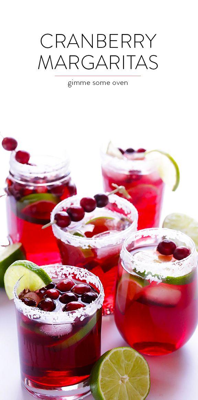 Cranberry Margaritas -Margarita de arándanos: mezclar:  -zumo de arándanos, chorrito zumo limón, chorrito de cointreau + hielo picado -decorar borde con azúcar glas o sal