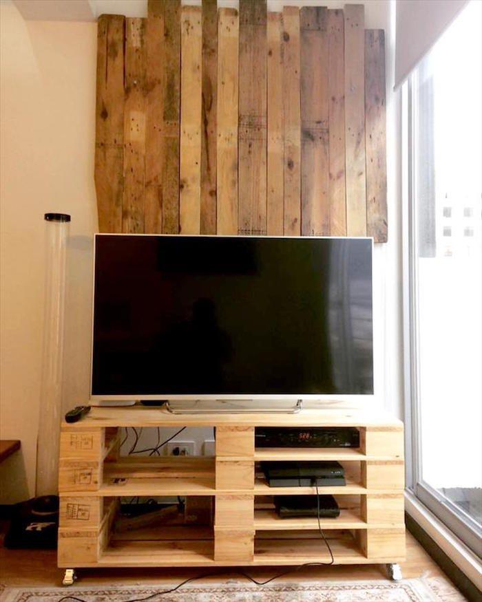 best 25 meuble tv palette ideas on pinterest meuble en palette pallette and palette deco. Black Bedroom Furniture Sets. Home Design Ideas