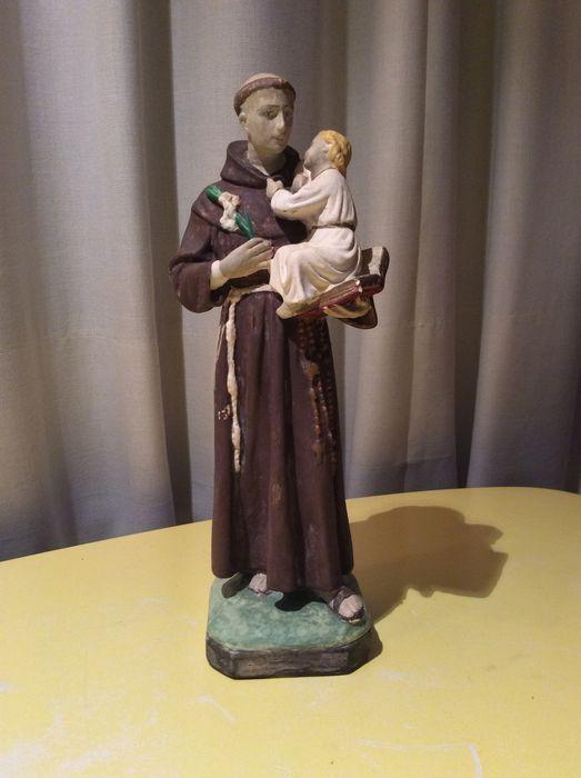 Online veilinghuis Catawiki: Heilige Antonius, gipsen beeld onder stolp met kindje Jesus en boek - rond 1920.