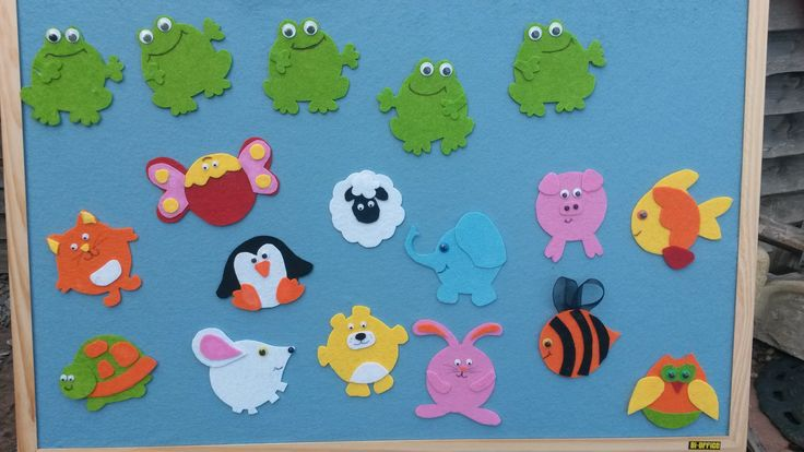 Homemade flannel board and felt animals.