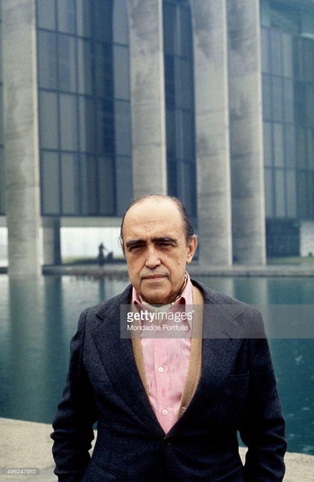 Oscar NIemeyer (Sergio del Grande, 1976)