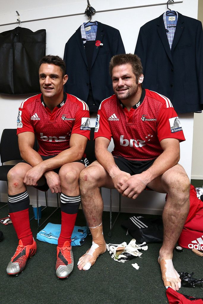 Richie Mccaw Photos Photos - Dan Carter (L) and Richie McCaw (R) of the Crusaders pose after the round 13 Super Rugby match between the Crusaders and the Reds at AMI Stadium on May 8, 2015 in Christchurch, New Zealand. - Super Rugby Rd 13 - Crusaders v Reds