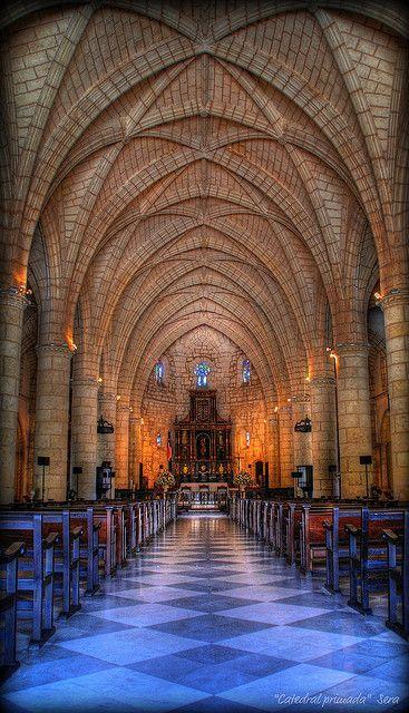 Catedral Primada de América.Basilica Cathedral of Santa María la Menor.Santo Domingo.República Dominicana