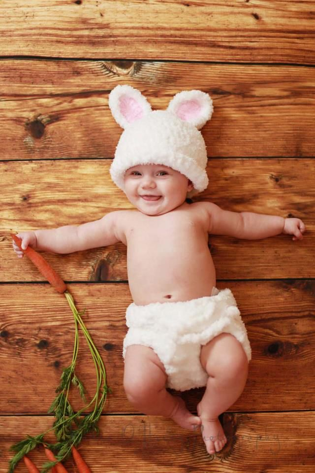 What an adorable idea for baby Easter photos!