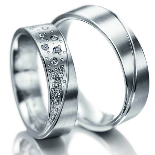 i think i would rather have a ring like this than having the rings that the jewel sticks up.