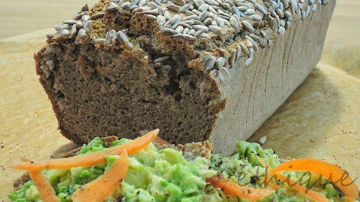 pohankový chléb z celé pohanky