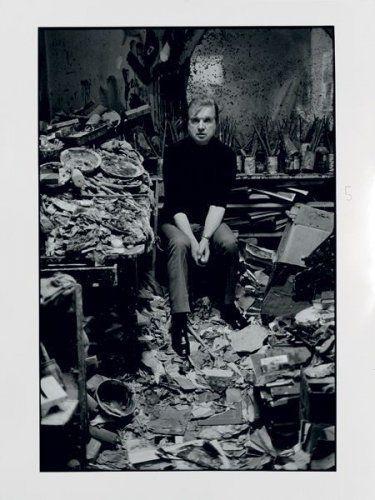 Francis Bacon, London 1977, par Carlos Freire (né en 1945), 1989 photo Tajan, Paris. Tirage argentique en noir & blanc. Signé et titré au dos; 40,5 x 30,5 cm.