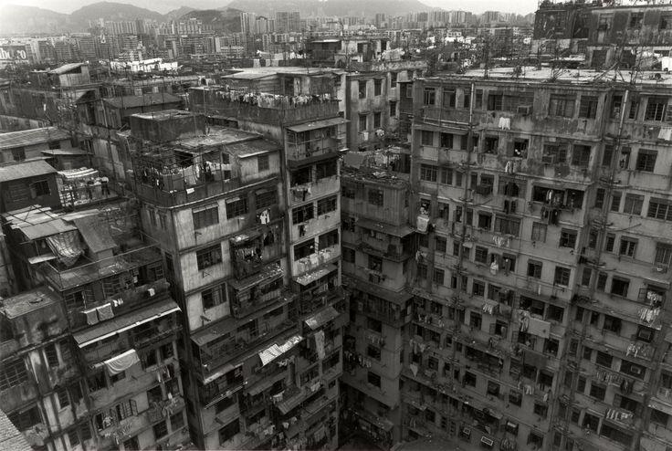 nineteenhundredandone: Kowloon Walled City, 1987 (photo: Ryuji Miyamoto)