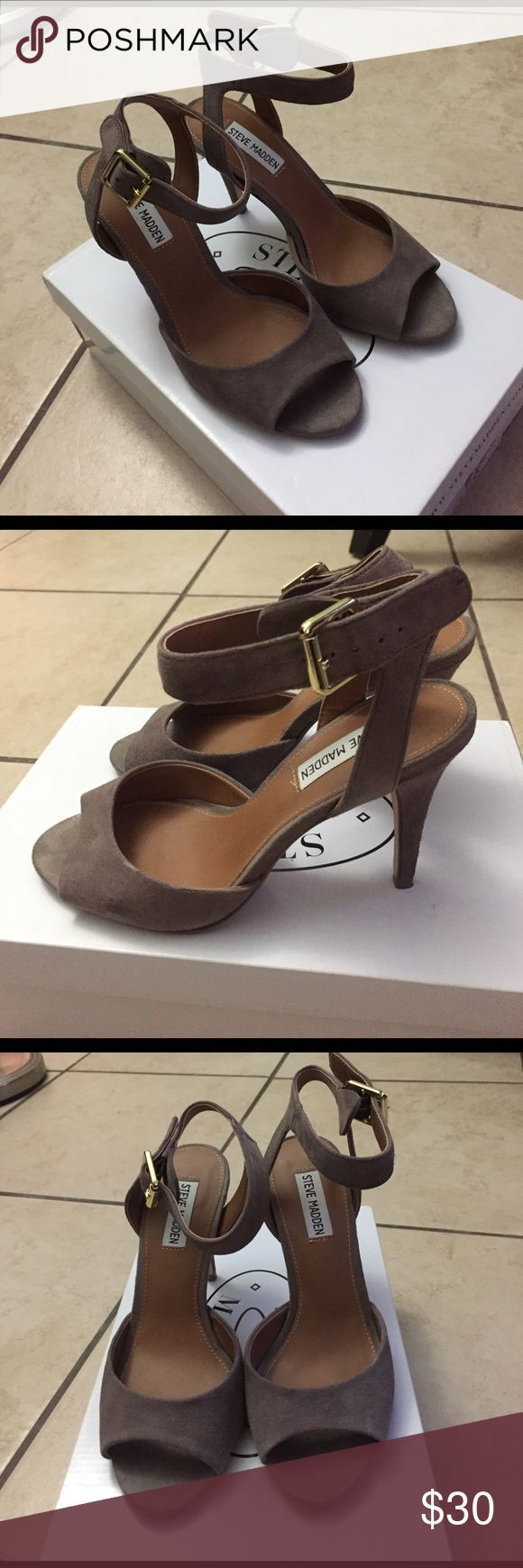 Steve Madden heels Suede. Size 7 but runs a little smaller. Can fit 6.5. In great condition! Stored in box with paper wrapping Steve Madden Shoes Heels