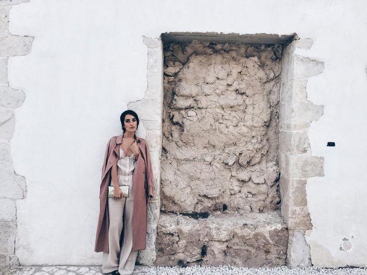 """""""Mi piace"""": 3,283, commenti: 20 - L⃟  E⃟  V⃟  A⃟  N⃟  T⃟  E⃟ (@levanteofficial) su Instagram: """"L'ultimo giorno ricordando il primo. Ciao Scicli.  Next stop: Palermo.  #levantecanta #levantecaos…"""""""