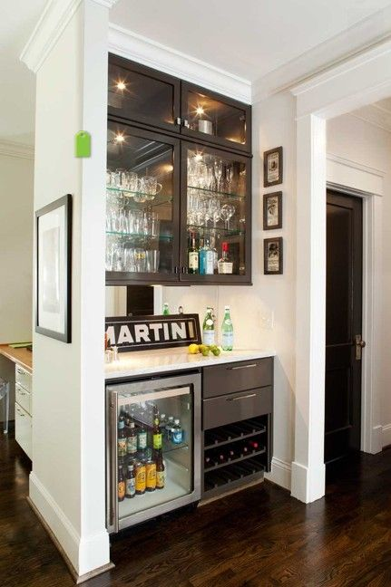Such a cute little bar! Great use of a small space.