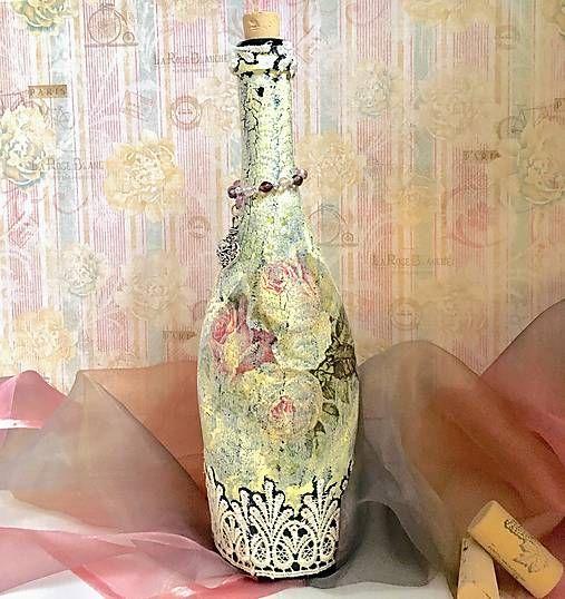 Clairet / Fľaša s vintage čipkou a motívom ruží