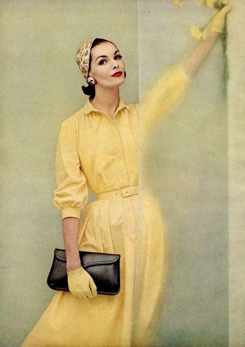 1950s dress fashion.