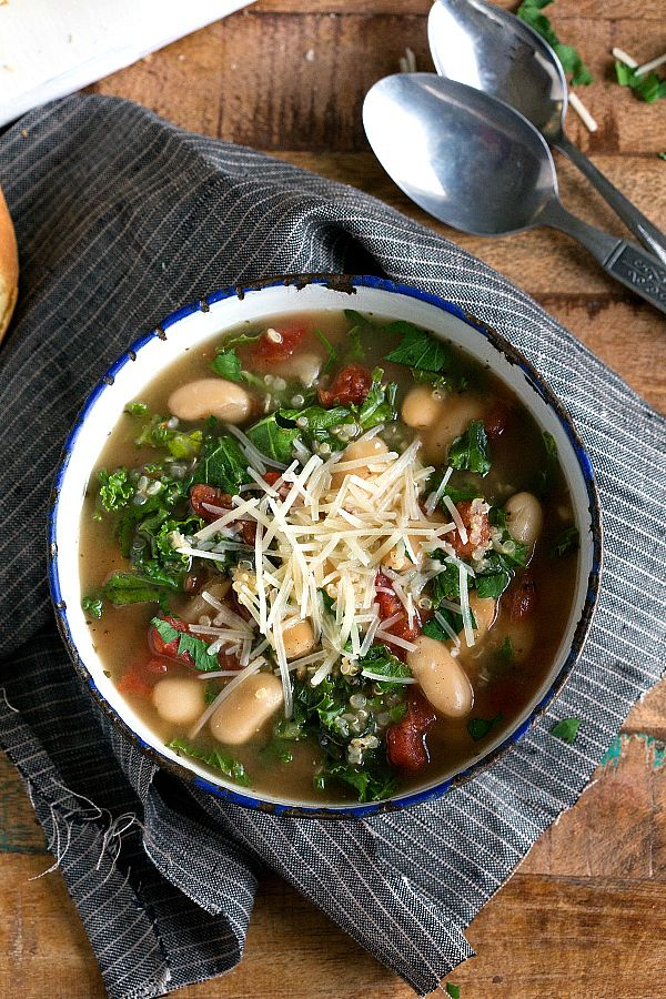Slow cooker quinoa, kale, and white bean soup