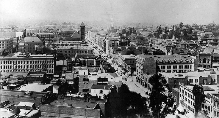 that's The Douglas Building at 3rd & Spring in the top left