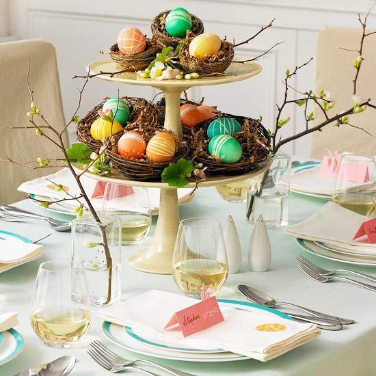 Idéias e inspirações para a decoração de páscoa. Centros de mesa, plaquinhas de lugares reservados, mix de estampas. Muitas idéias lindas!