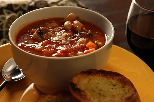 Italian Sausage and White Bean Soup: La Soup, Foodies Ideas, Italian Sausage, Bos Bowls, Bo Bowls, White Beans Soup, Delicious Spicy, Mr. Beans, White Bean Soup