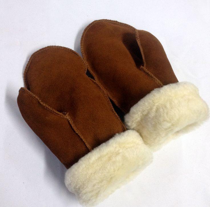 Mitones en cuero de reno, perfectos para el frío. Disponible en  talla adulto S, M, L.