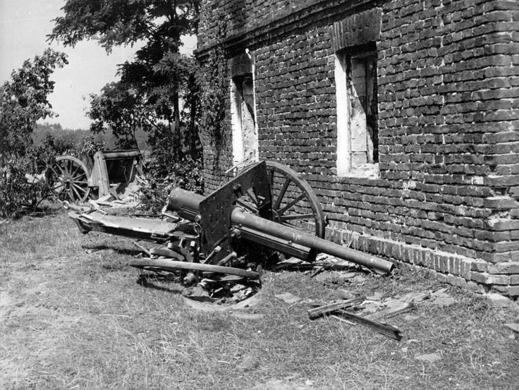 Destroyed Poilish 75-mm field gun model wz.1897, pin by Paolo Marzioli