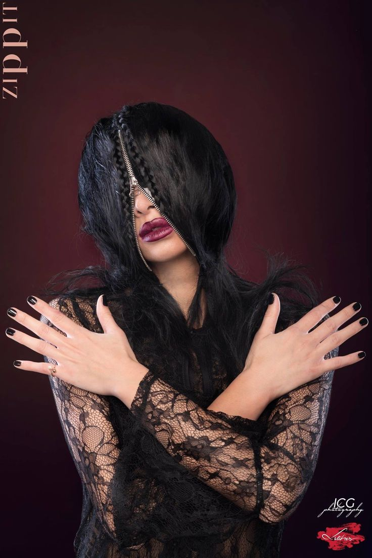 Zipped! Foto: ICG Photography  Hair & Makeup: Ana Lulikova Model: Cristina Floren Hairstyling Products: Milk Shake - Z.One Concept   #Avantgarde #zipped #shooting #analulikova