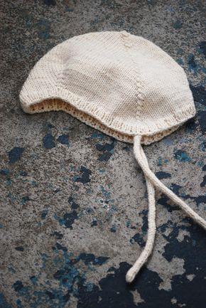maria carlander: stickning babymössa utan sömmar - stickas i ett stycke på strumpstickor. Free pattern