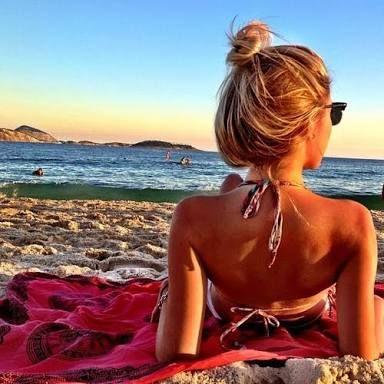Resultado de imagem para fotos para tirar sozinha na praia