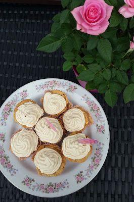 Meine rosa Welt: Ein Weihnachtsgruß im Sommer - Apfel-Zimt-Cupcakes...