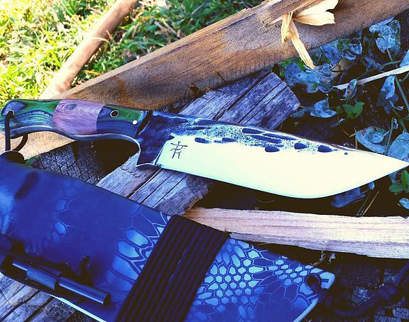 best 25 bowie knives ideas on pinterest custom bowie knives fixed blade knife and bowie. Black Bedroom Furniture Sets. Home Design Ideas