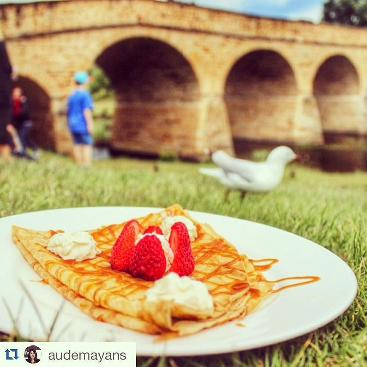 Now this is worth a visit to Sandy Bay's Long Beach tomorrow! @miamfrenchcrepes 10-3 at Tassie's favourite little festival market in the parklands  #Repost @audemayans with @repostapp.  Yum! Fresh homemade salted caramel and Tasmanian raspberries crepe from MIAM French crêpes #seeaustralia #discovertasmania #Richmond #RestaurantAustralia #picnic #crepes #French #foodie #MIAMFrenchCrepes #hobartandbeyond #hobart #lazymaymarkets #sandybay #christmas #tassiemarkets by lazymaymarkets