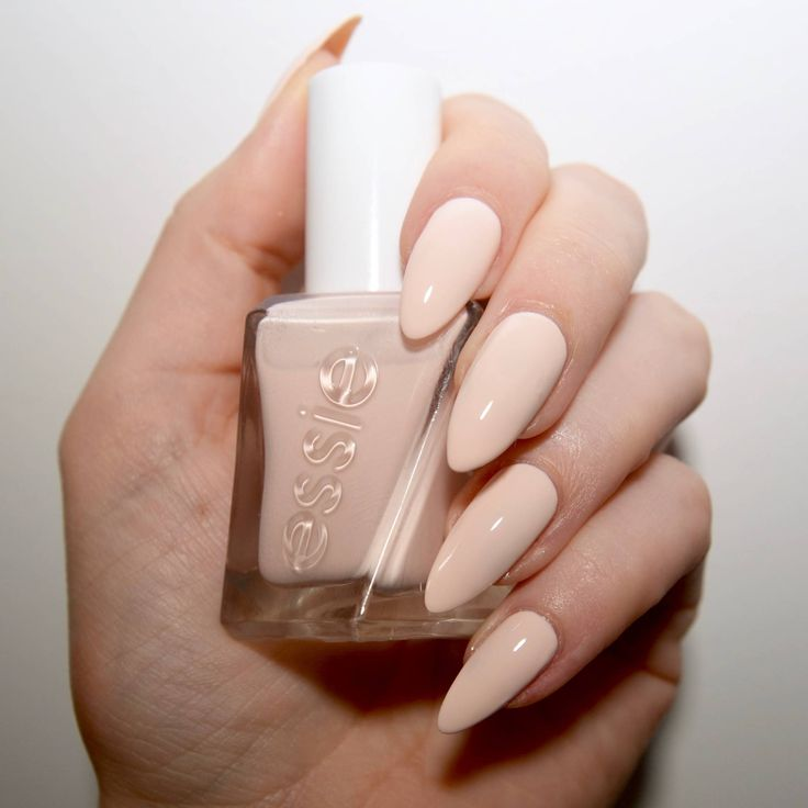 Essie Gel Couture Ballet Nudes Lace Me Up