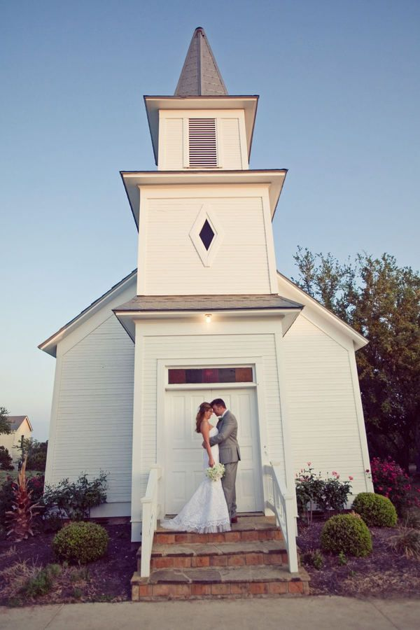 Love the simplicity of this church. Sometimes less is more! From Style Me Pretty's Texas Blog...