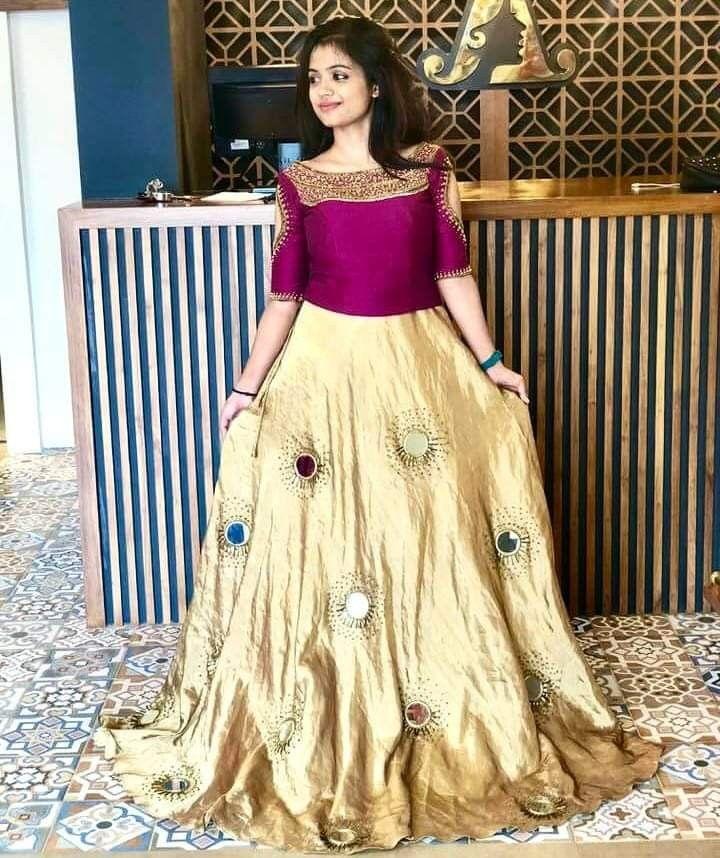Pin By Ekaa Fashion On Crop Tops Skirt N Lehanga Kerala Engagement Dress Designer Dresses Indian Gown Party Wear