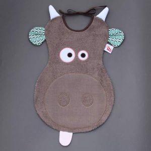 Maxi bavoir Vache - LaBavette. Aussi pratique que joli, ce malicieux bavoir protégera les vêtements des enfants à partir de 6 mois. Motif vache. Très pratique, très protecteur. Il descend sur les genoux ou peut se glisser sous l'assiette pour une protection optimale. Finitions soignées Vendu dans une boîte, un cadeau idéal, original, beau et si utile !  http://www.lilooka.com/fr/bavoir-labavette/1102-maxi-bavoir-vache-labavette.html