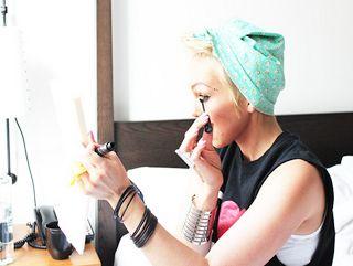 kandeej.com: How To Tie A Bandana in Your Hair 2 Ways