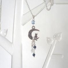 Collier chat au clair de lune argenté bleu nuit transparent verre de bohême gris bleu marine odacassie.alittlemarket.com