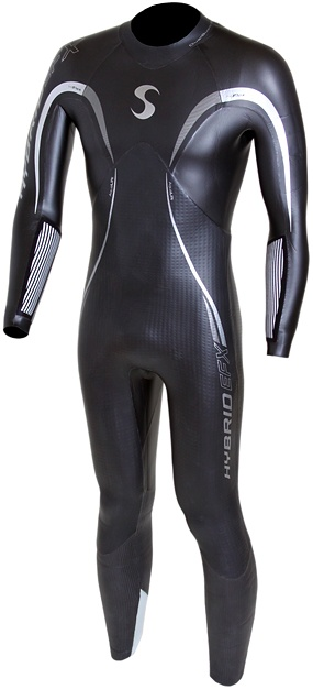 What are the differences between triathlon, surfing and diving wetsuits? We uncover them here!