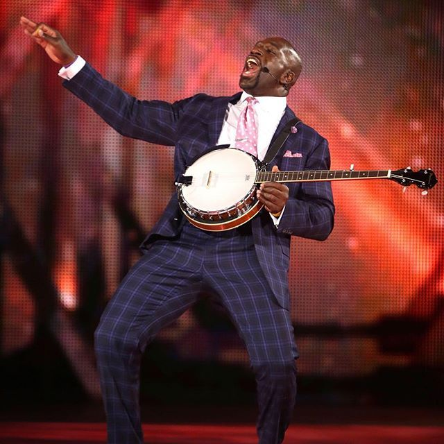 wwe @titusoneilwwe showing off his banjo skills on Monday Night #RAW...  2017/10...