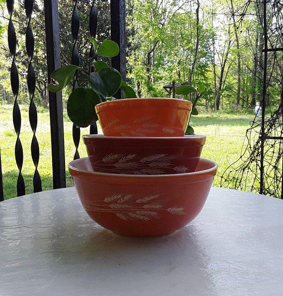 Pyrex Bowls / Vintage Pyrex Bowls / Autumn Harvest Wheat / 3