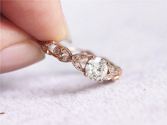 14K Rose Gold Mossanite Ring 5mm Runde Moissanite von LoveGemArts