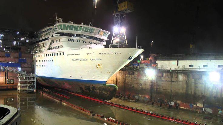"""Интересное видео: Удлинение круизного лайнера """"Balmoral"""" (бывшее название - """"Norwegian Crown"""")"""