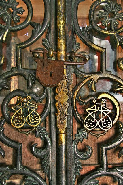 Door | ドア | Porte | Porta | Puerta | дверь | Details | 細部 | Détails | Dettagli | детали | Detalles | by kapkara on Flickr