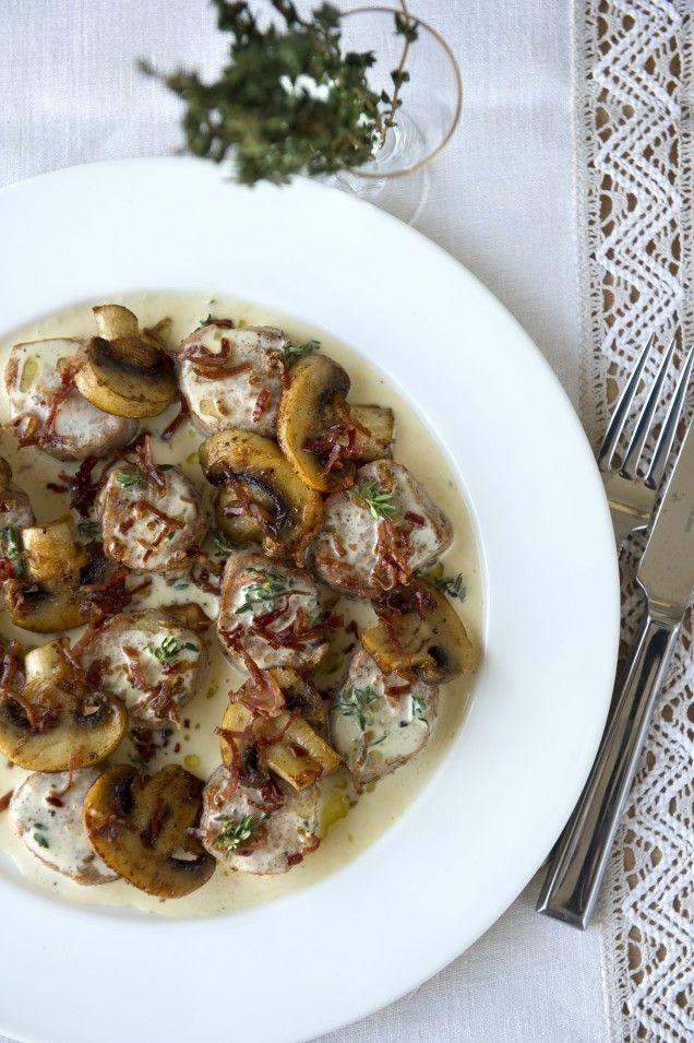 Festlig fläskfilé! Bjud på en läcker middag med fläskfilé och stekta champinjoner.
