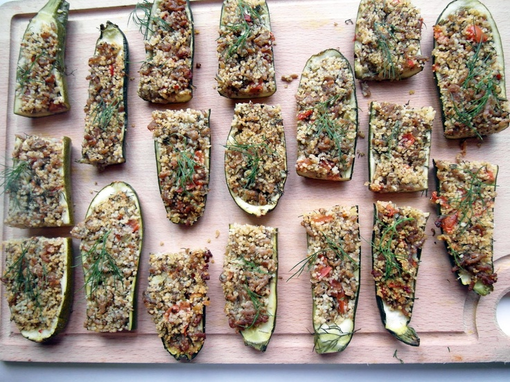 Cukinie z mięsem i kuskusem / Zucchini with meat and couscous | Tapas de Colores